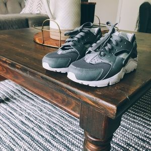 Grey Nike Huarache
